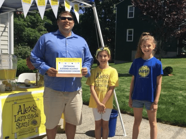 [CREDIT: Steve McAllister] Councilman Steve McAllister paid a fundraising lemonade stand in Ward 7 a visit recently.